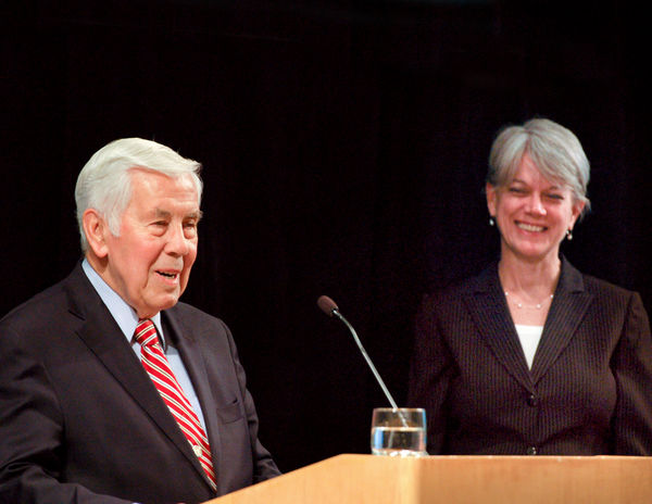 Executive Secretary Diane Randall and former Indiana Sen. Richard Lugar at FCNL Annual Meeting 2012